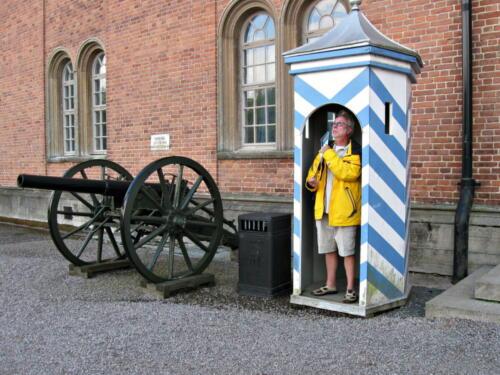 Götakanal, Karlsborg, Festung, Wache mit Regenschirm
