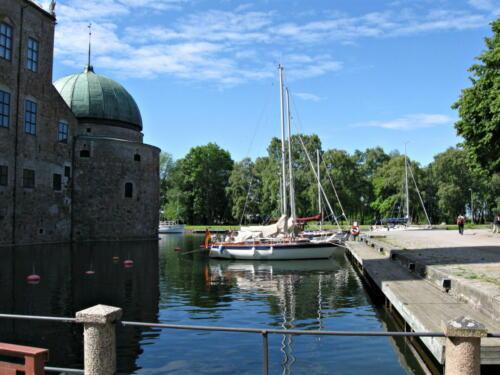 Götakanal, Vadstena, Liegeplatz im Burggraben