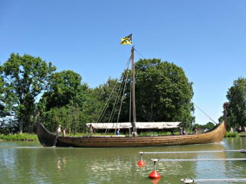 Götakanal, ein Langschiff